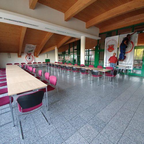Einrichtung des Sitzungssaales für die Delegiertenkonferenz