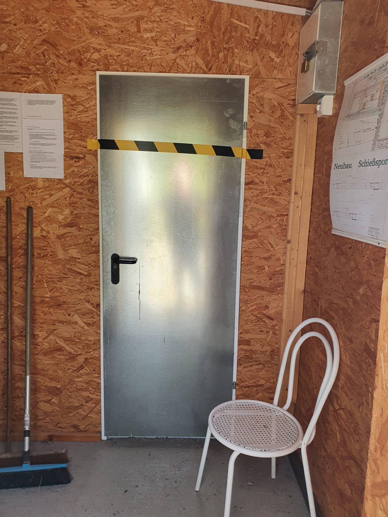 Aufenthaltsraum (und WC) gesperrt